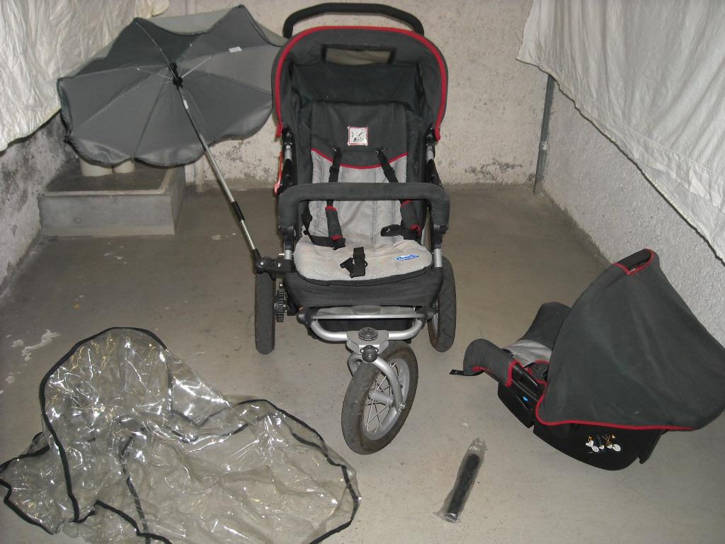 a vendre poussette 3 roues babydeal maxi cosi sur. Black Bedroom Furniture Sets. Home Design Ideas