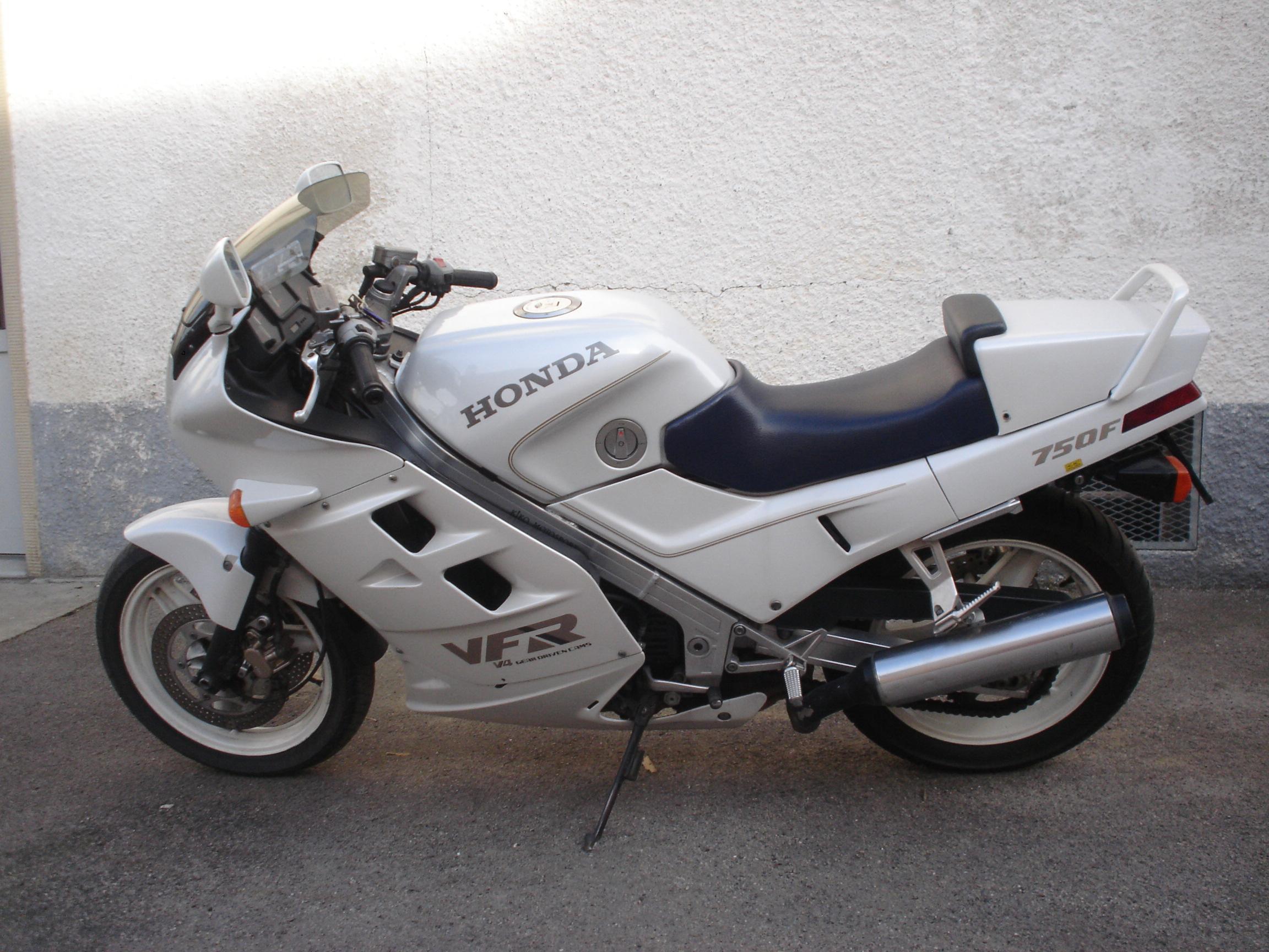 Honda VFR 750 F | VK