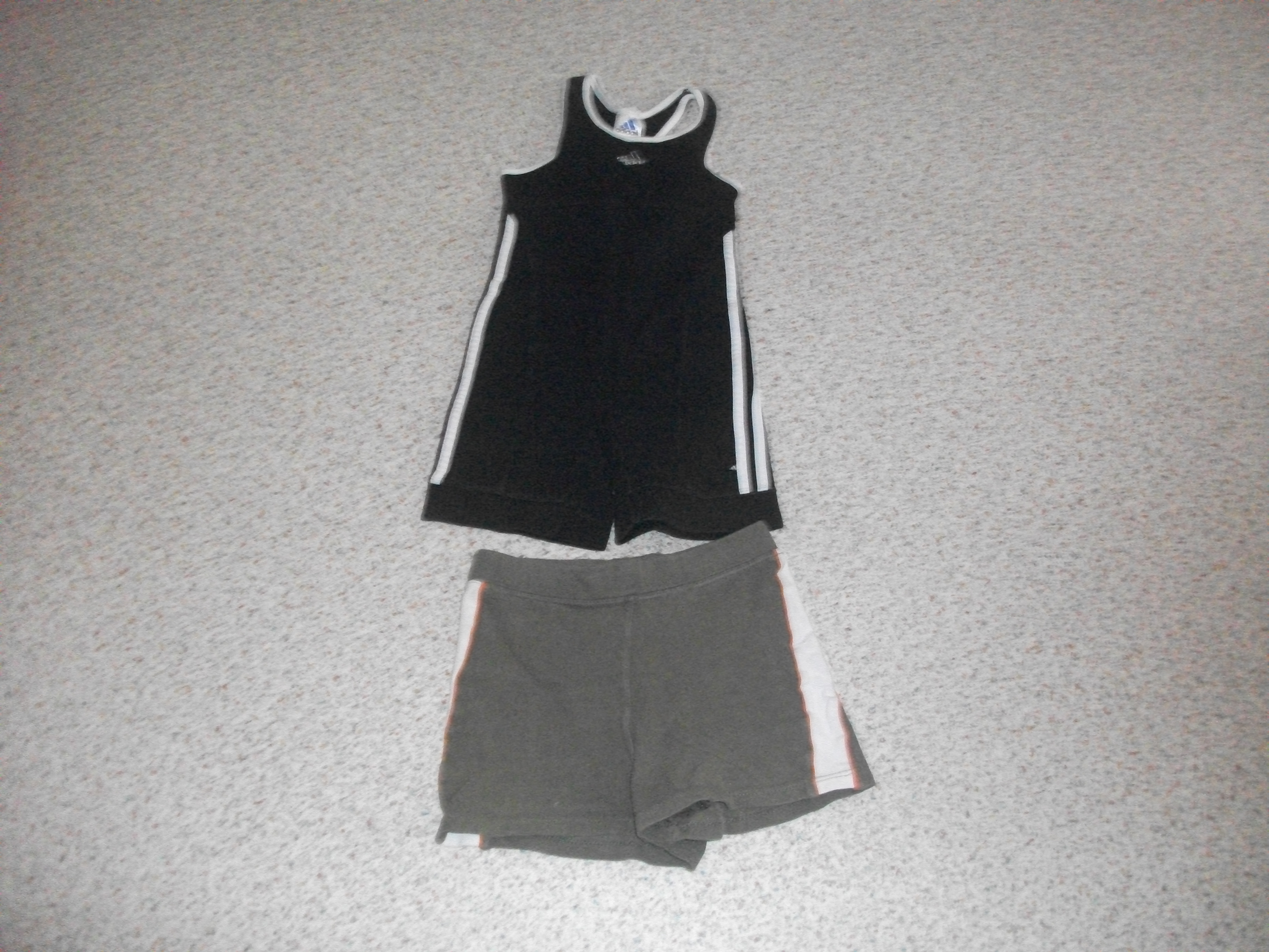 Lot de Vêtements Fille Sport -1 Short Vert Rocky + 1 Body corps ... 5fae2419648