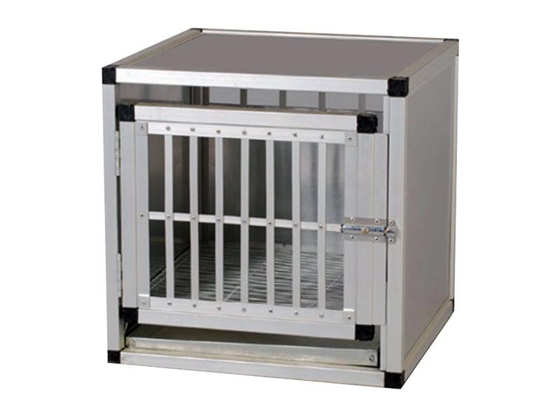 cage pour chien vendre. Black Bedroom Furniture Sets. Home Design Ideas