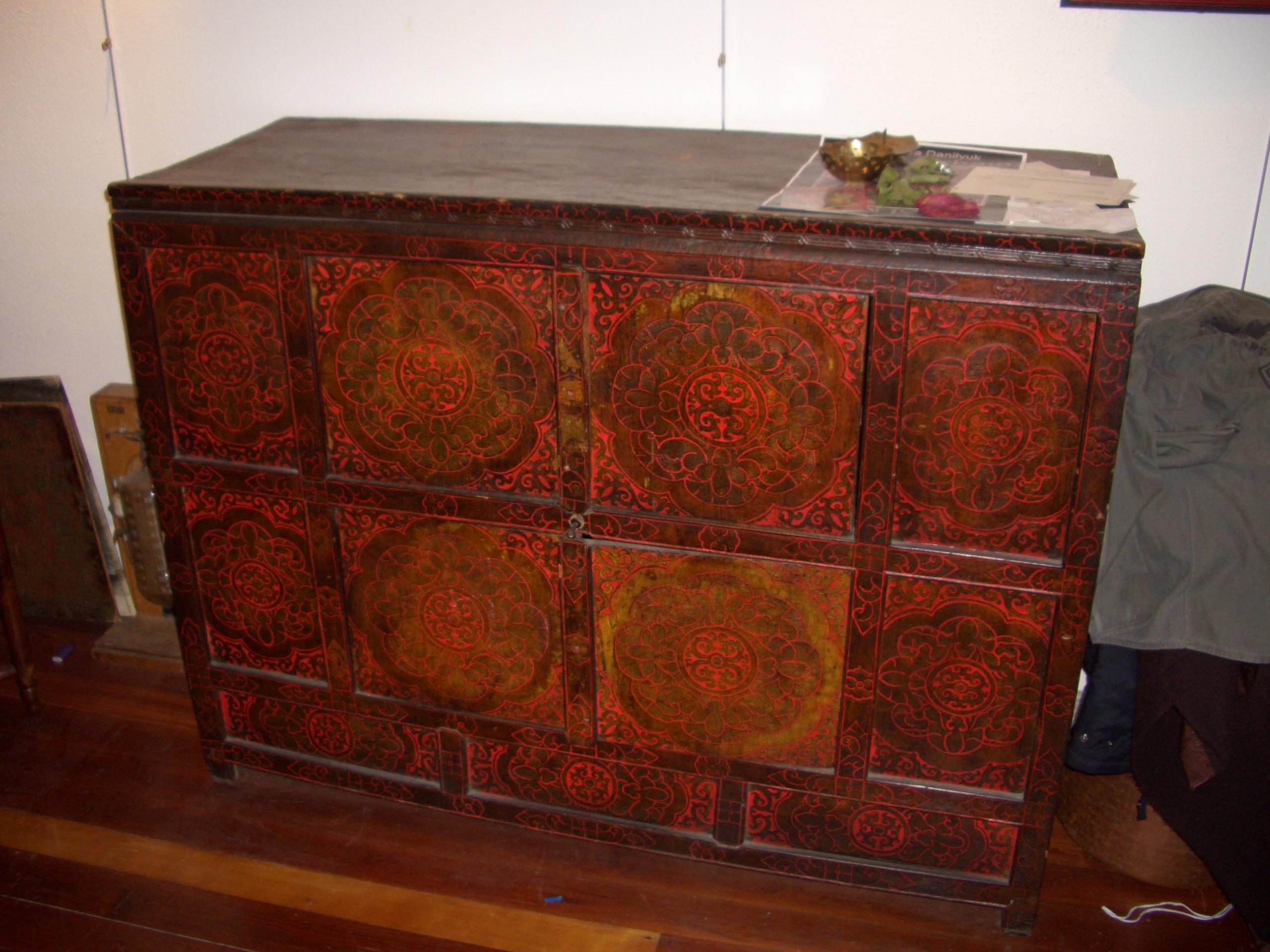 meuble tibetain vendre blog ench res en ligne. Black Bedroom Furniture Sets. Home Design Ideas