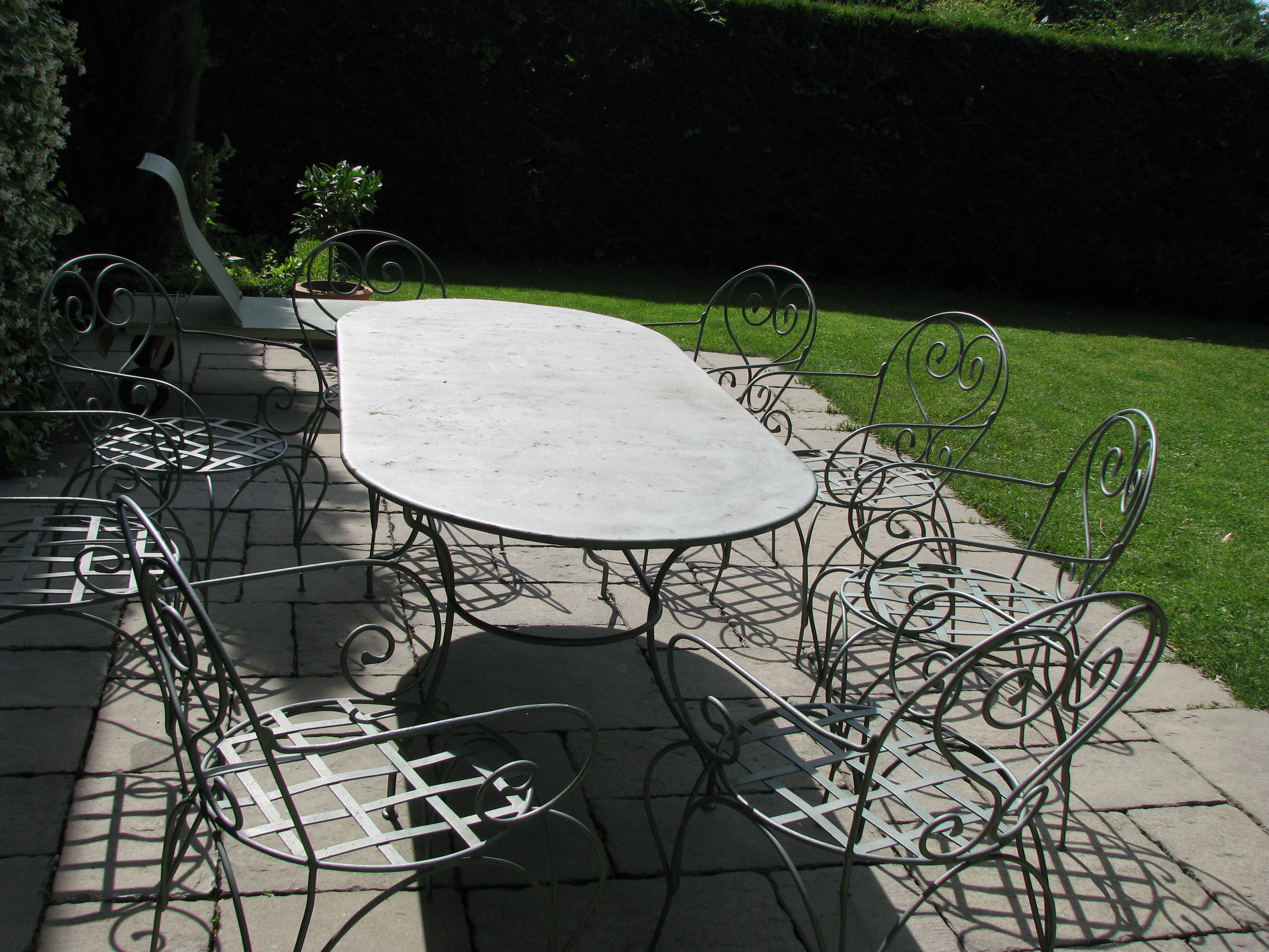 Tables de jardin en fer forg for Salon de jardin en fer forge